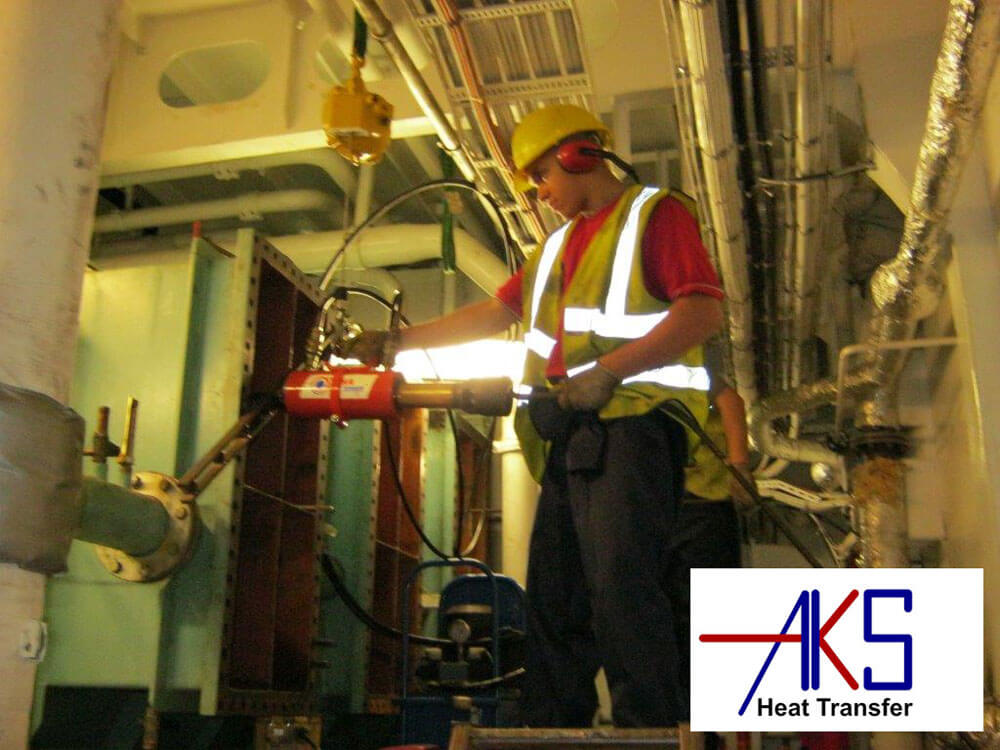 Freshwater Generator Heat Exchanger Repair on Cruise Ship (Serck Como)